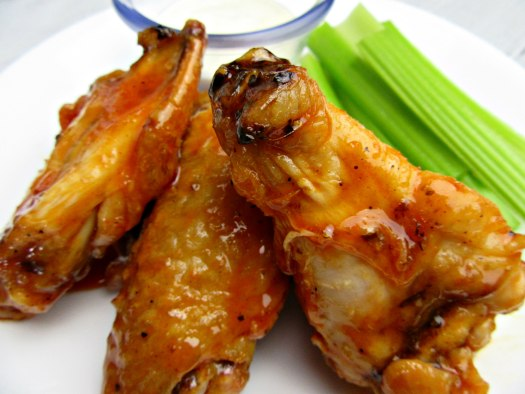 Low-Carb Copycat Wingers Wings Close Up