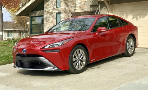 Vehículo eléctrico de pila de combustible Toyota Mirai 2021