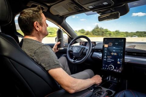 Los vehículos autónomos requieren enfoques alternativos de desarrollo y producción