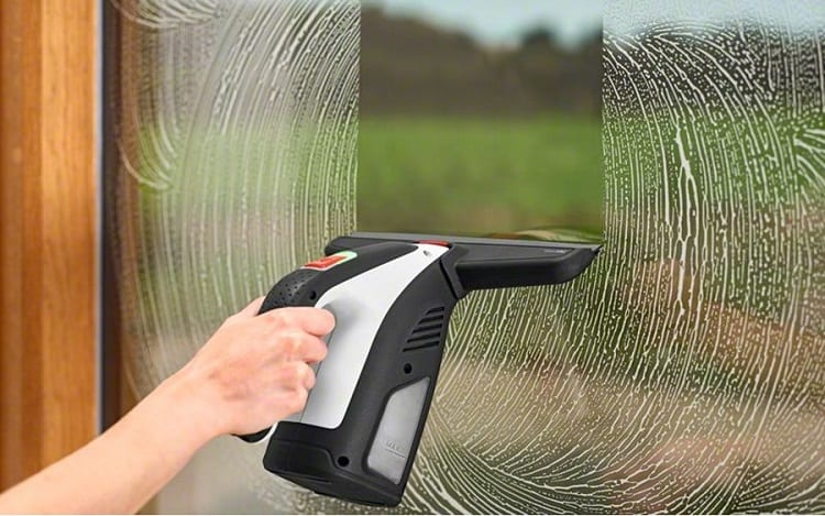 Cleaning window with Bosch vac plus