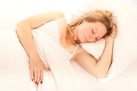 woman-mattress-015041603-sm