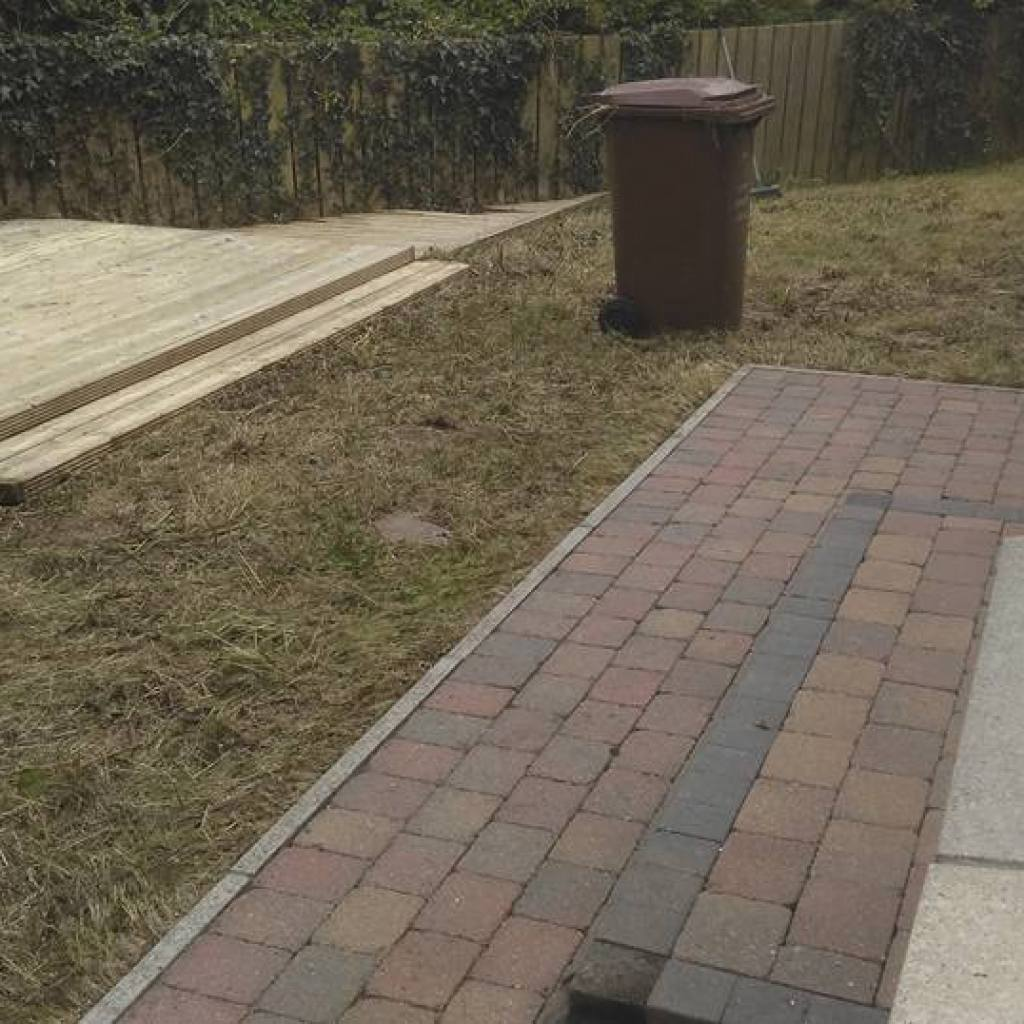 cleaning doctor patio outdoor cleaning service