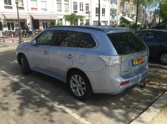 Mitsubishi Outlander Plug In Netherlands 7