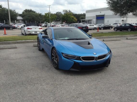 BMW i8 Blue 11