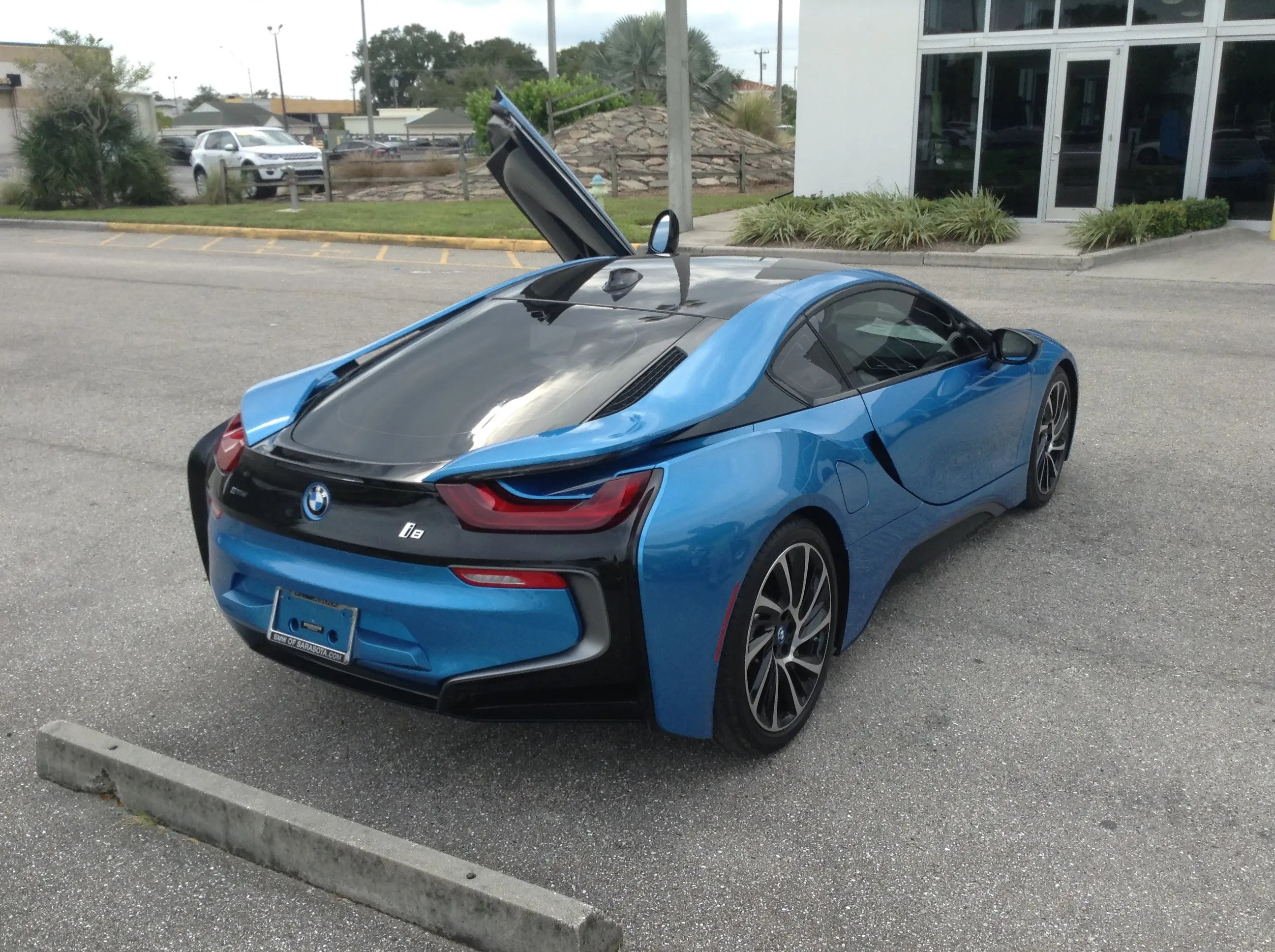 Despite The Improvement From Pure Electric Drive, However, The I8 Would  Still Basically Seat Two People, And The Car Was Not Design To Be Fully  Electric, ...