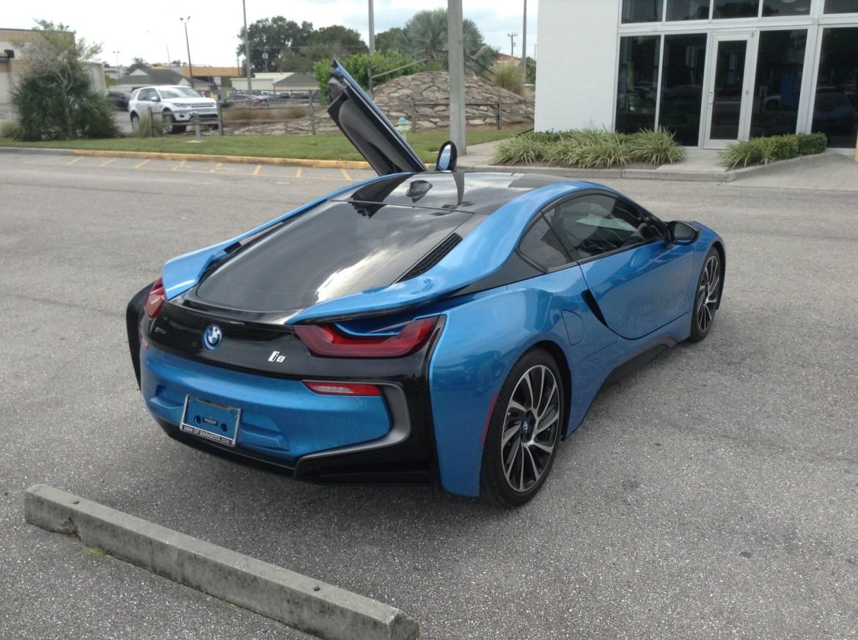 BMW i8 Blue 6