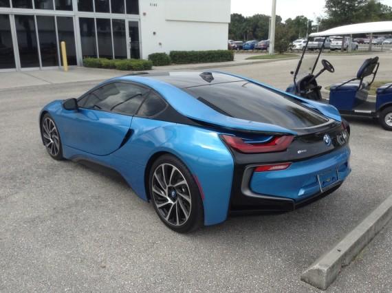 BMW i8 Blue 7