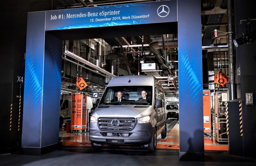 Mercedes-Benz Werk Düsseldorf feiert Produktionsstart des Mercedes-Benz eSprinterMercedes-Benz Dusseldorf plant celebrates start of production of the Mercedes-Benz eSprinter