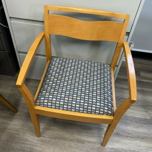 Mid-Century Mode Guest Chairs