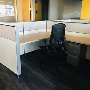 500 Herman Miller Canvas 6'x6′ Workstations