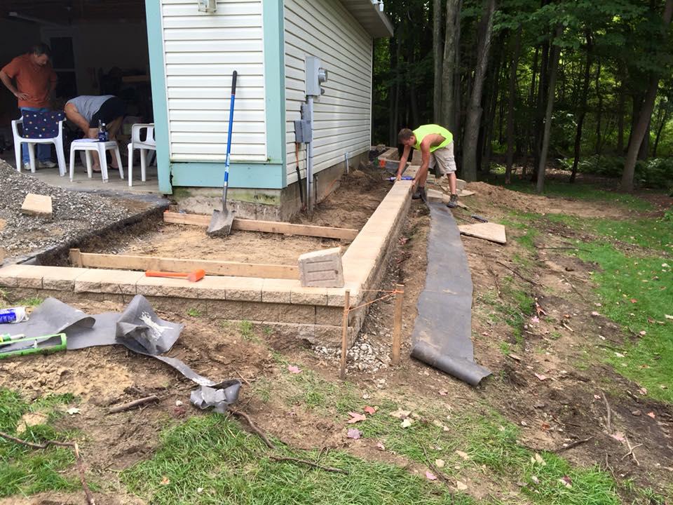 paver patio and retaining wall