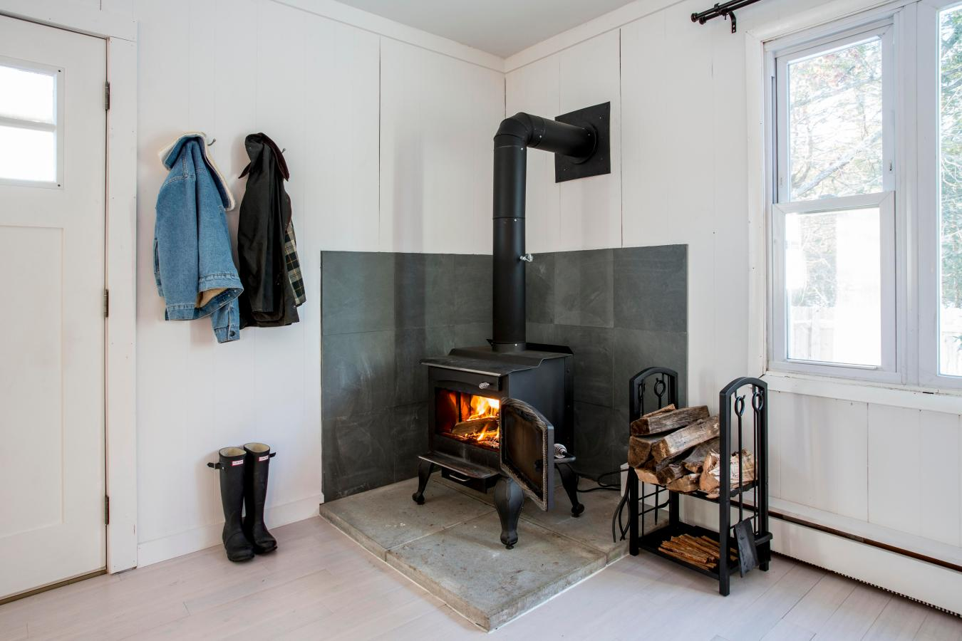 Starting a fire with a wood burning stove
