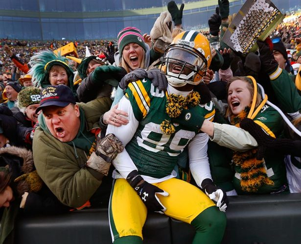 29-James-Jones-Lambeau-Leap