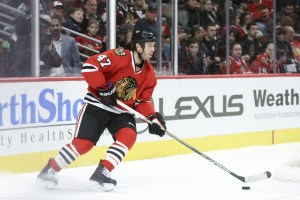 ct-rob-scuderi-adjusts-blackhawks-spt-0102-20160101