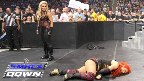 natalya-attacks-becky-lynch-smac-620x350