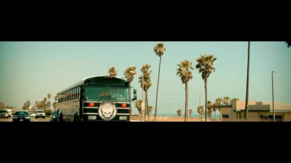 Скачать The Offspring - Cruising California клип бесплатно
