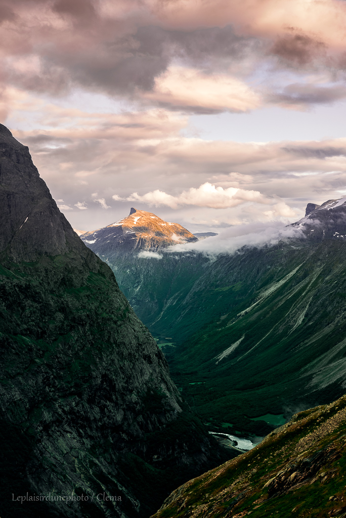 Andalsnes Norafjellet Norvège Van randonnée