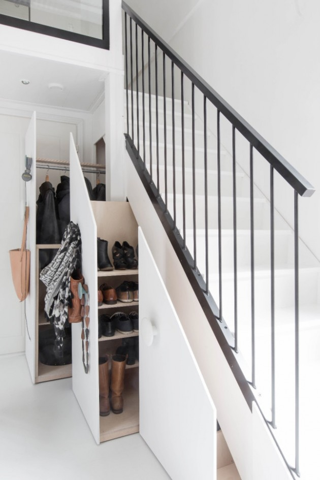 placard incrusté encastré dans l'escalier aménager un dessous d'escalier