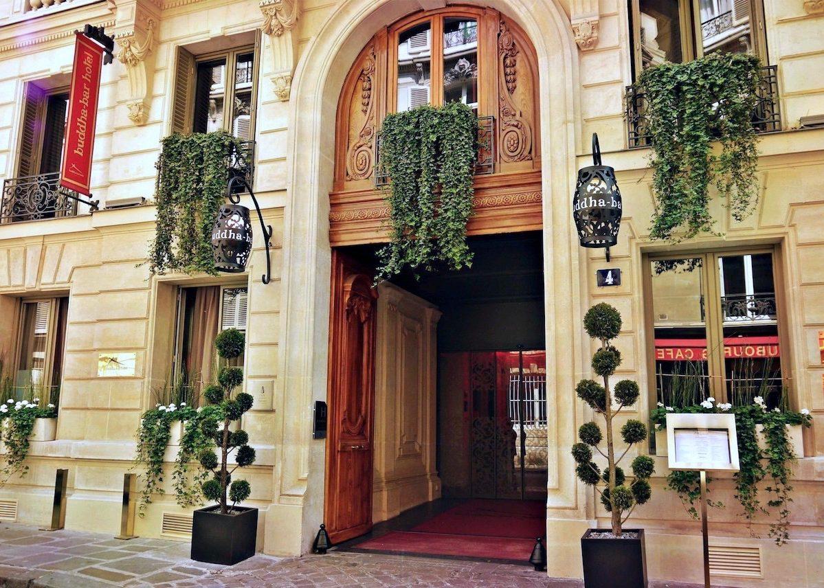 Buddha bar hotel paris une invitation au voyage en plein for Hotel design paris 8