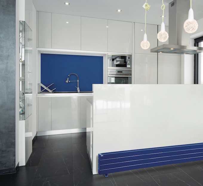 cuisine design blanche bleue radiateur myacova