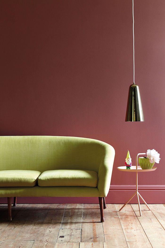 rose foncé et vert anis font bon ménage dans le salon nuance de vert