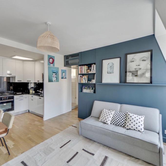 Visite d co vivre en famille dans un 37m2 clem around Deco salon gris et bleu