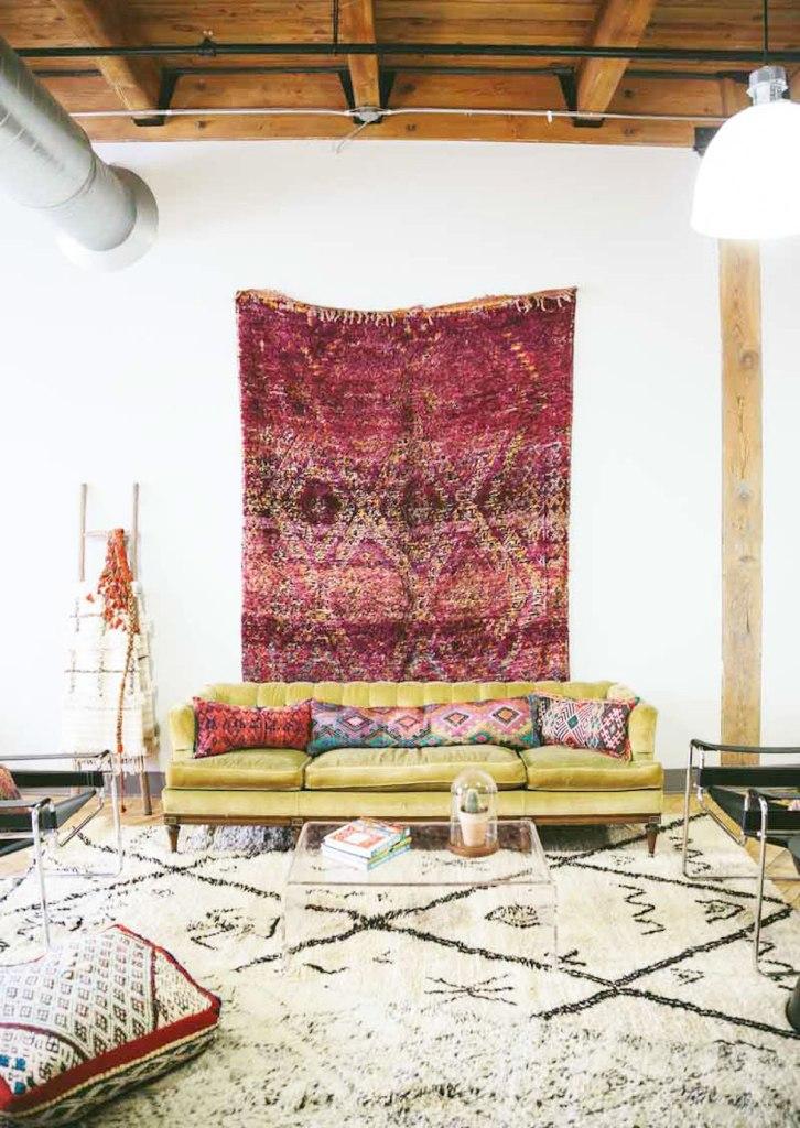 comment fixer un tapis au mur blog d co clem around. Black Bedroom Furniture Sets. Home Design Ideas