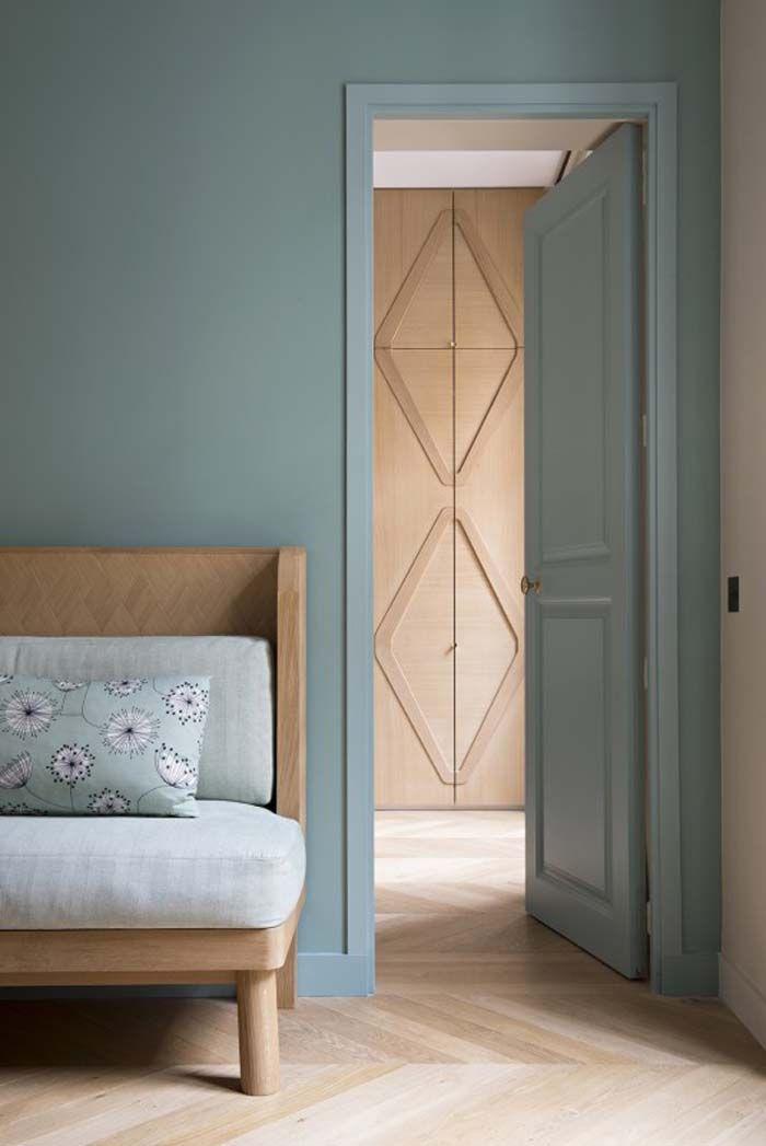 décoration vert céladon porte couloir vert bois coussin - blog déco - clem around the corner