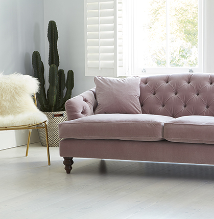 millennial pink canapé velours boutons - blog déco - clem around the corner