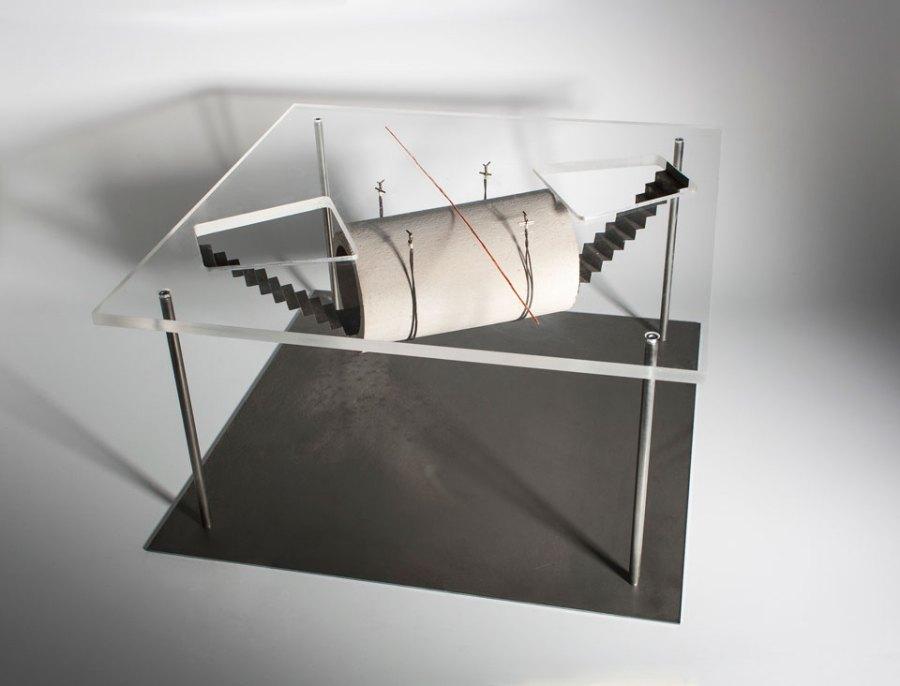 denkmal für den unerlaubten grenzübertritt, 2015 modell eines erdbauwerks, maßstab ca. 1:25