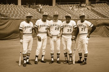 Al Oliver, Willie Stargell, Steve Blass, Manny Sanguillen and Roberto Clemente (looking cool as always) line up for a team portrait.