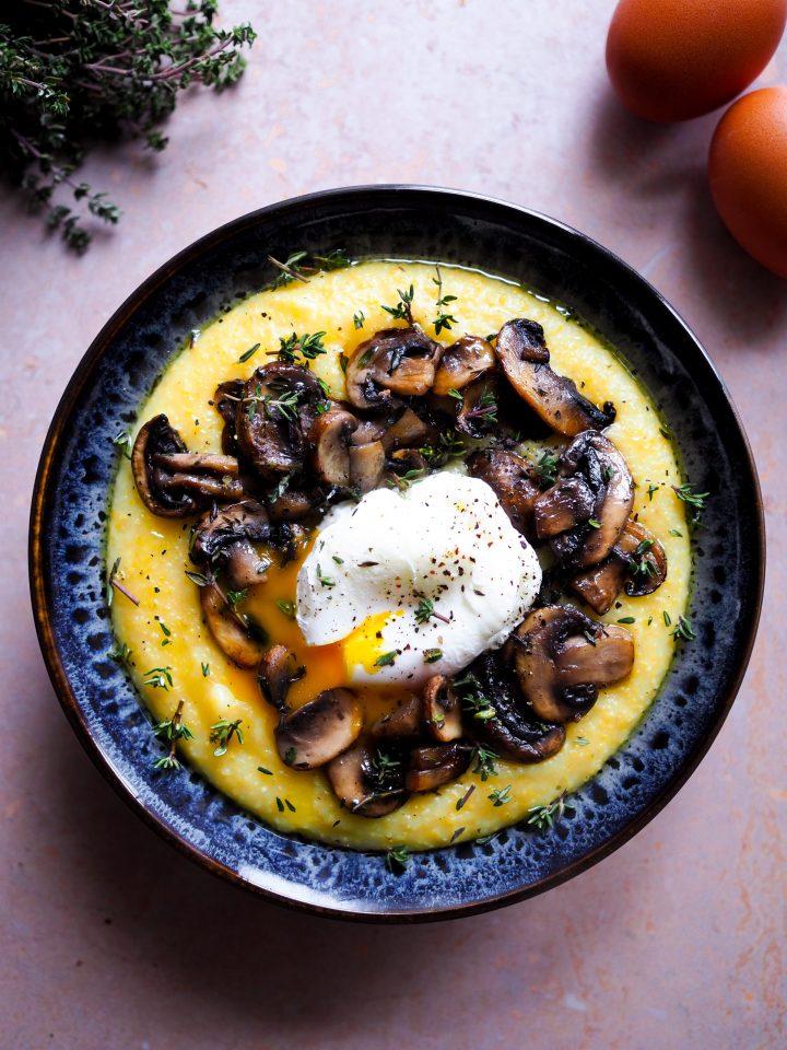polenta crémeuse au parmesan, champignons et oeuf poché