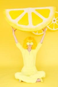 DIY-Lemon-Wedge-Pinata2-600x900