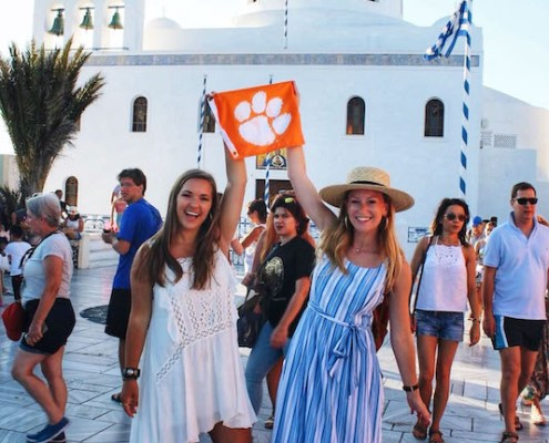 Greece: Emily Roudebush '22 and Emma Smith '22