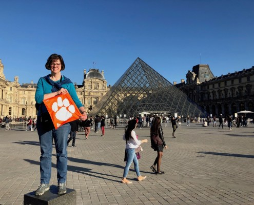 France: Eva Nance '89 visited the Louvre in Paris while traveling on sabbatical.