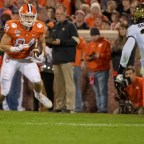 Tony Elliott Adding New Tools to Clemson Tight Ends Tool Belts