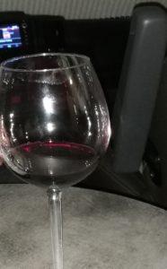 Rotwein im Kastenwagen