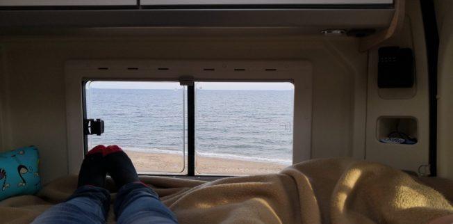 Aussicht aufs Meer aus dem Wohnmobil