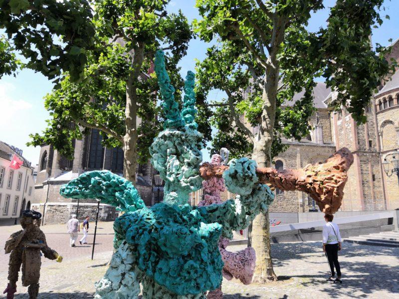 Skulpturen bei der Servatiusbasilika