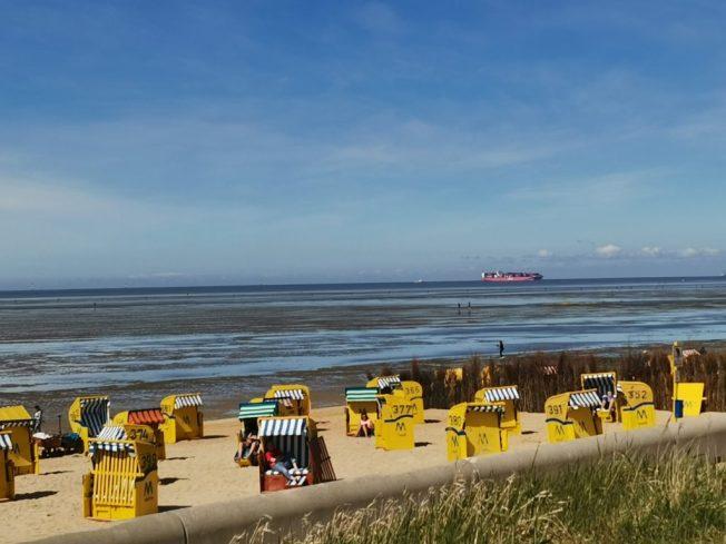 Strand und Schiffe in Cuxhaven