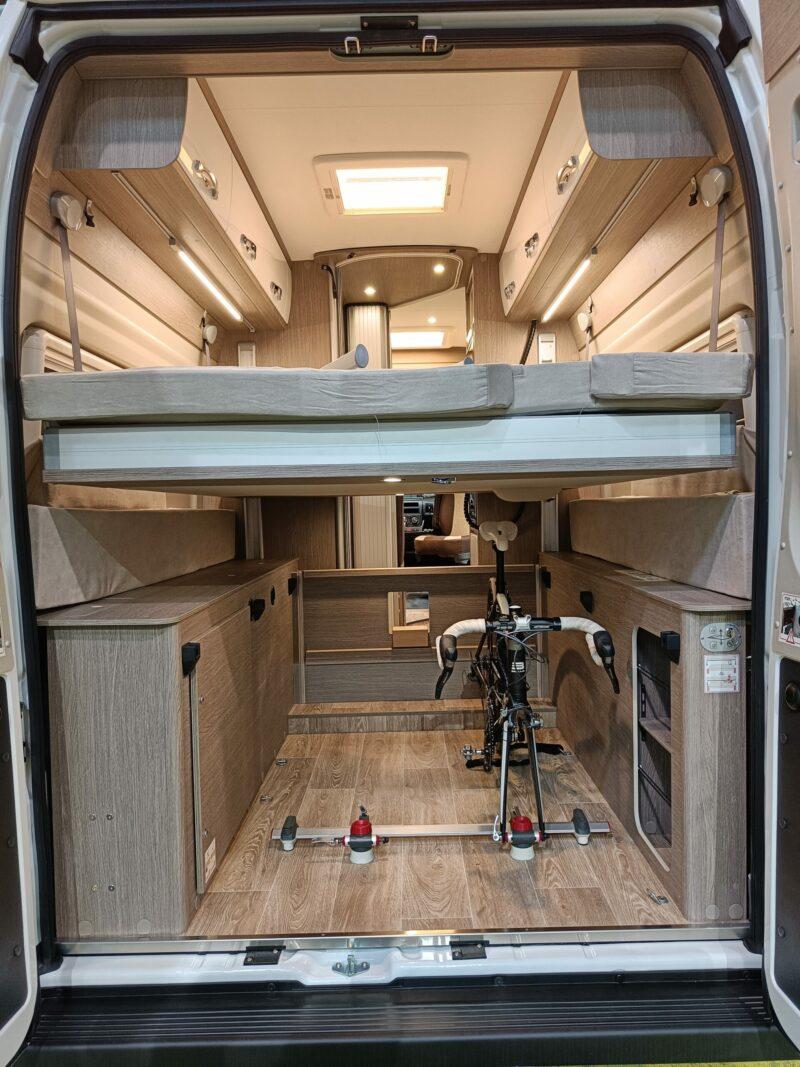 Stauraum-Wunder: Kastenwagen mit Hubbett