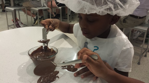 Making chocolate at the Chocolate Lab, in Hershey PA. A family Fun experience #TravelCleverly