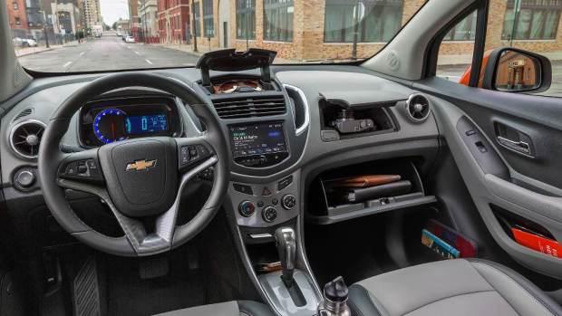 2016-Chevrolet-Trax-interior