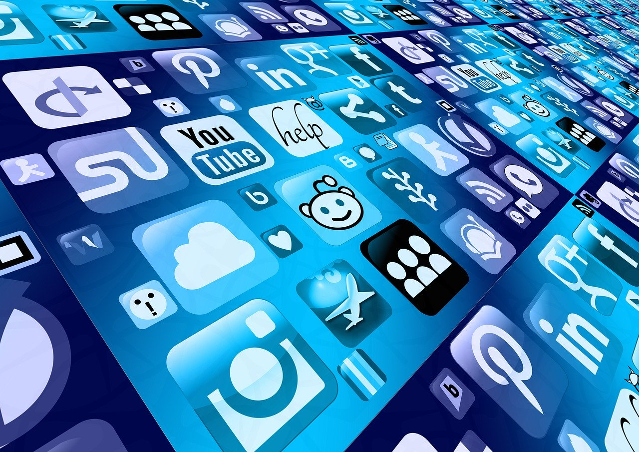 3 Tricks to beat Social Platform Algorithms