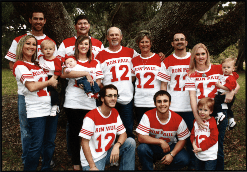 Surprise photo in Ron Paul Family Holiday Cookbook — a clue?