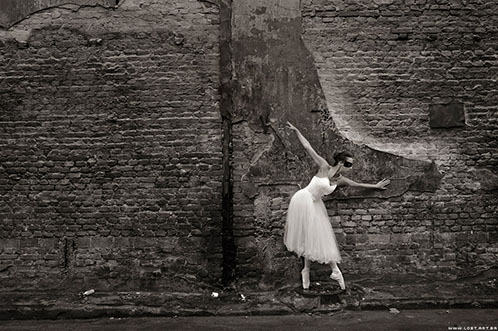 Off the wall   -   ©2009 lostart