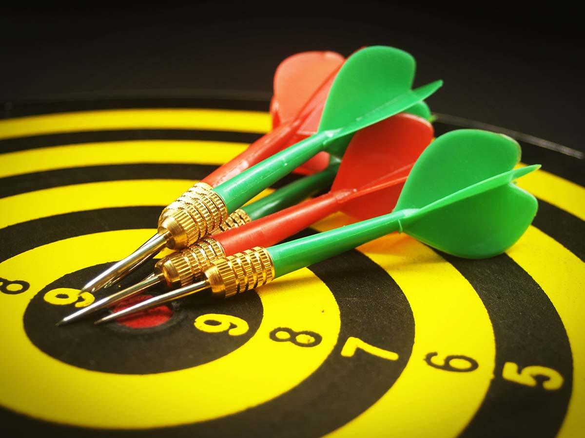 click-wise__fb_visitors_retargeting_arrows_on_aim