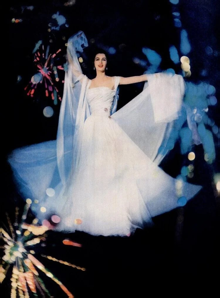 Beautiful white evening gown with tulle from 1957