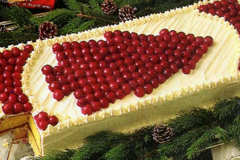 Cherry Christmas tree cake vintage recipe 1986