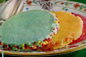 Colored pastel sugar cookies (1962)